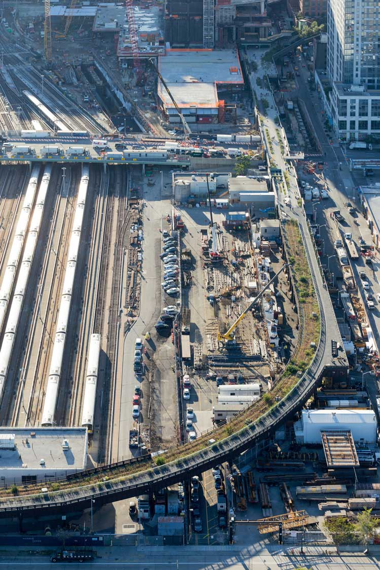 1404-High-Line-At-The-Rail-Yards---Photo-By-Iwan-Baan