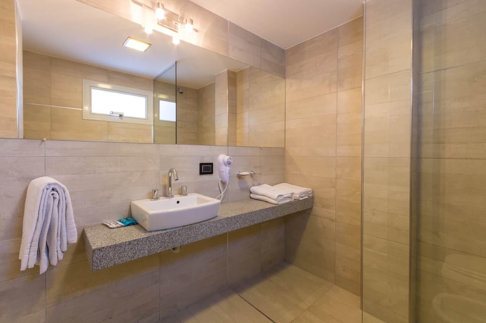 100917  -  HOTEL ALPRE ph1 G Viramonte-1677 (Copy)
