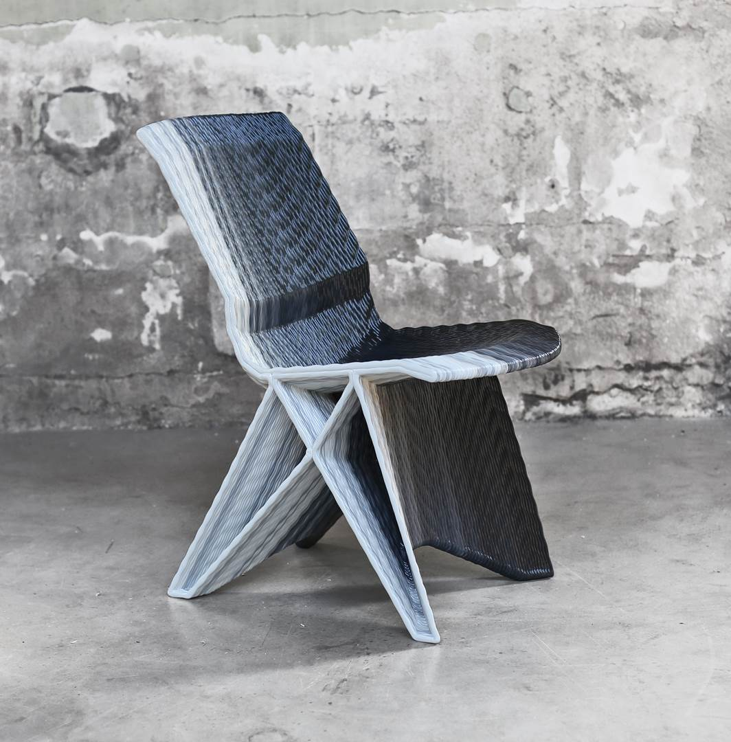 Endless Chair, Gradient Black. Photo Studio Dirk Vander Kooij (Copy)