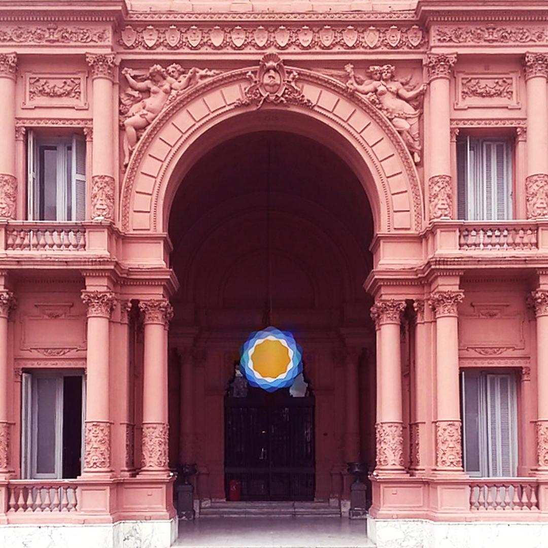 """Sede del Poder Ejecutivo de La República Argentina """"Casa Rosada"""". Monserrat, Ciudad Autónoma de Buenos Aires. @argenpuertas"""