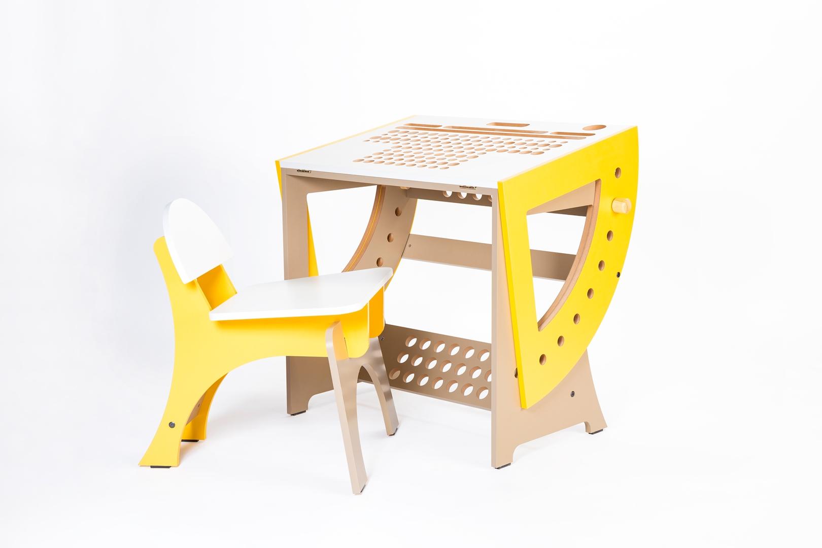 Poltrona Andina y tablero escritorio Aurum de Casa Muebles y CONCEPTO Idea Creativa