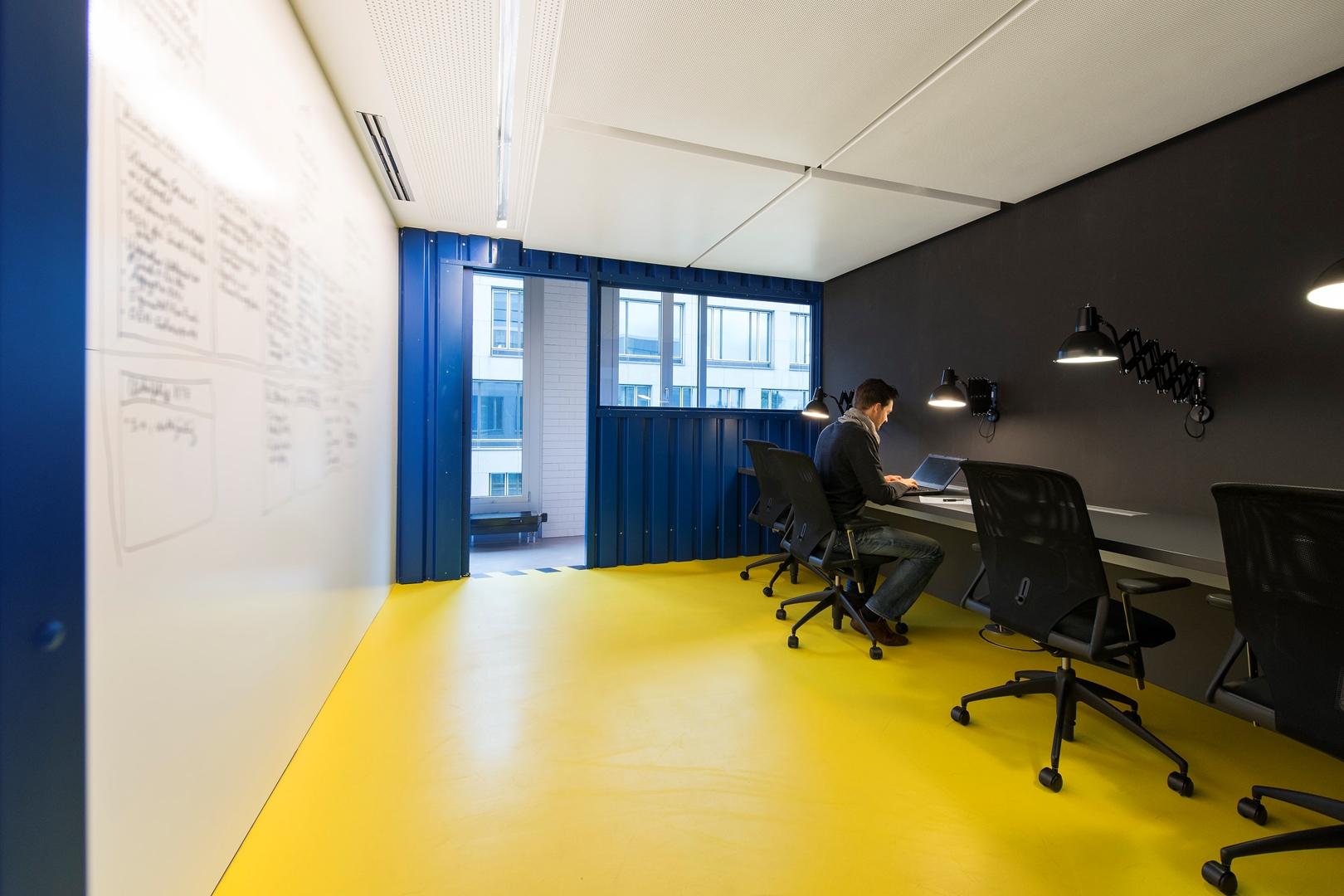 21_ZEB Munich_Smart Connect_Project room (Copy)