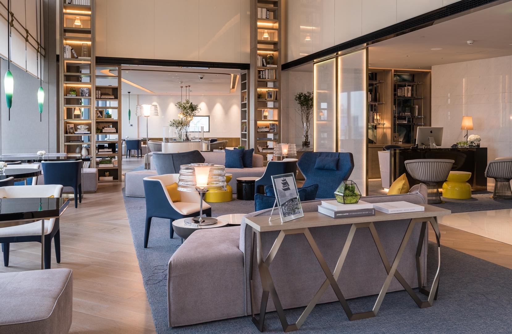 28 Executive Lounge (Copy)