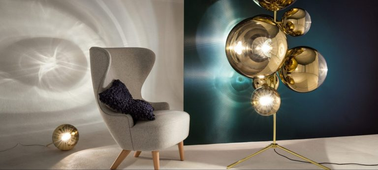 Mirrorball Standing Chandelier with Wingback Mirco & Boucle Cusion