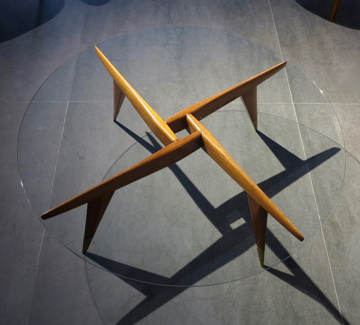 Coffee table by Gio Ponti 1950 at Galleria Rossella Colombari courtesy of Galleria Rossella Colombari (Copy)