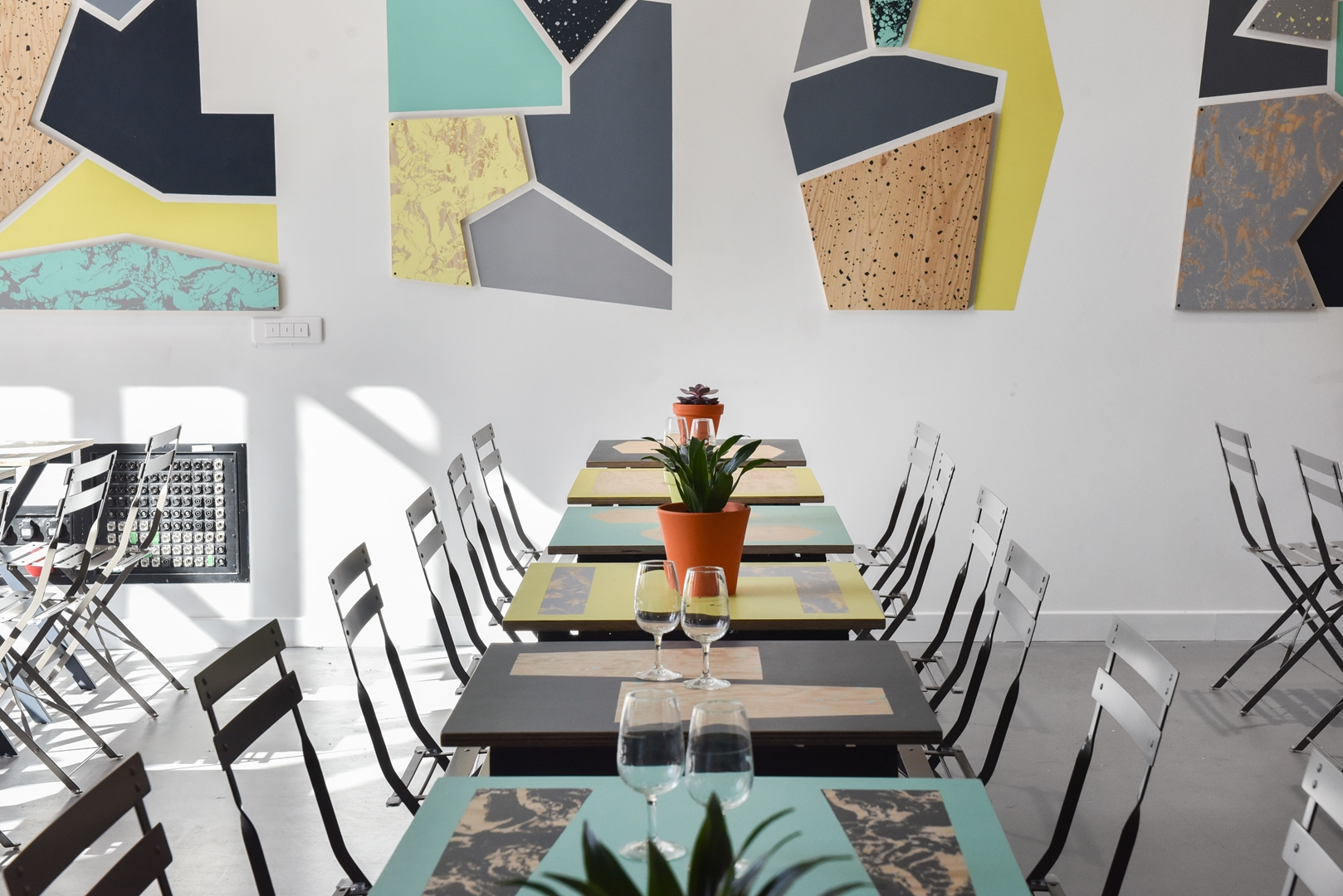Restaurant © Jean Philippe Corre (Copy)