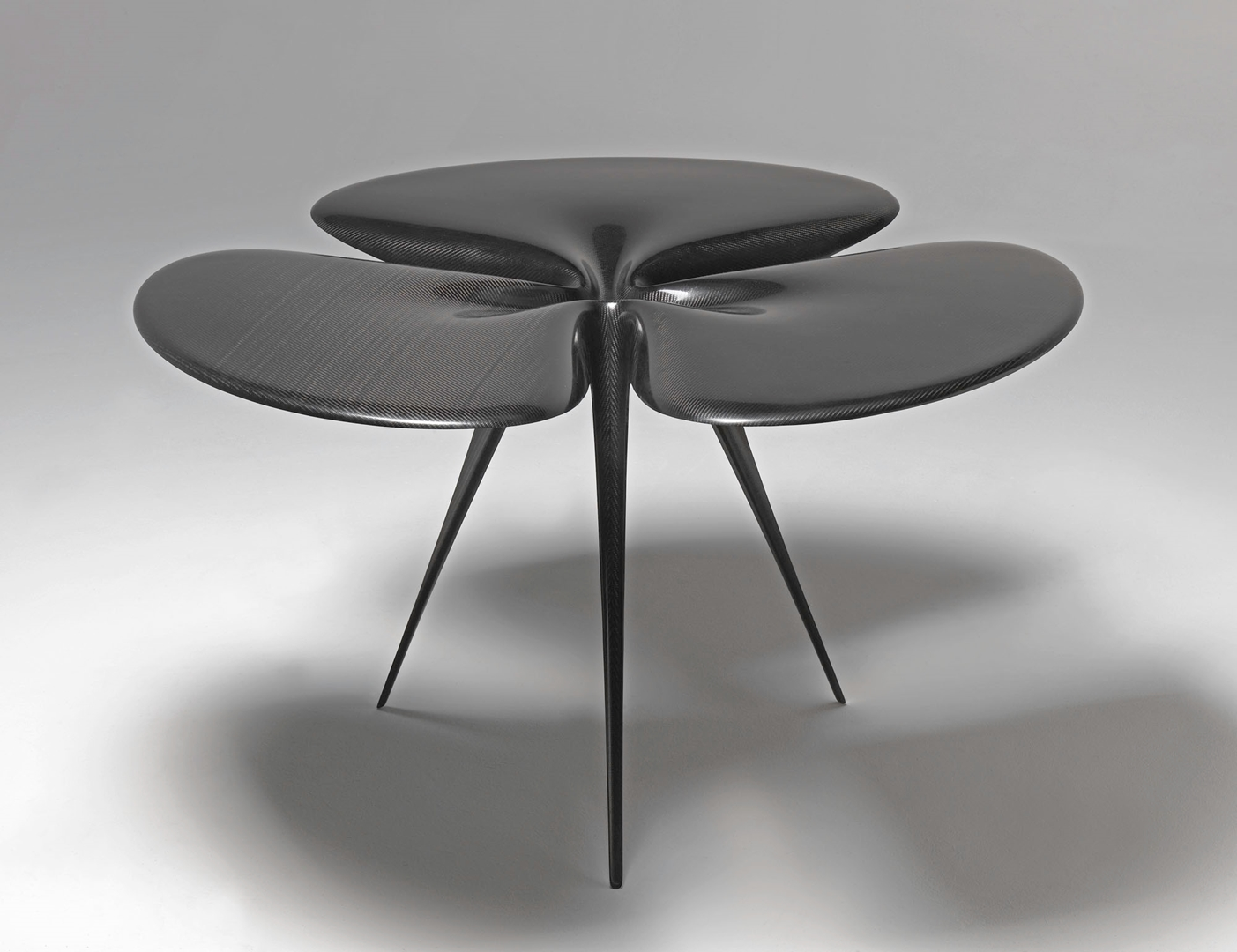 Ross Lovegrove_The Gingko Carbon Table_ 2007_Fibre de carbone Lovegrove Research Coll. Centre Pompidou (Copy)