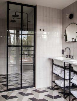 Room Suite Bathroom (Copy)