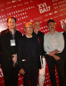 Carrilho da Graca junto al comité de la Bienal (Copy)