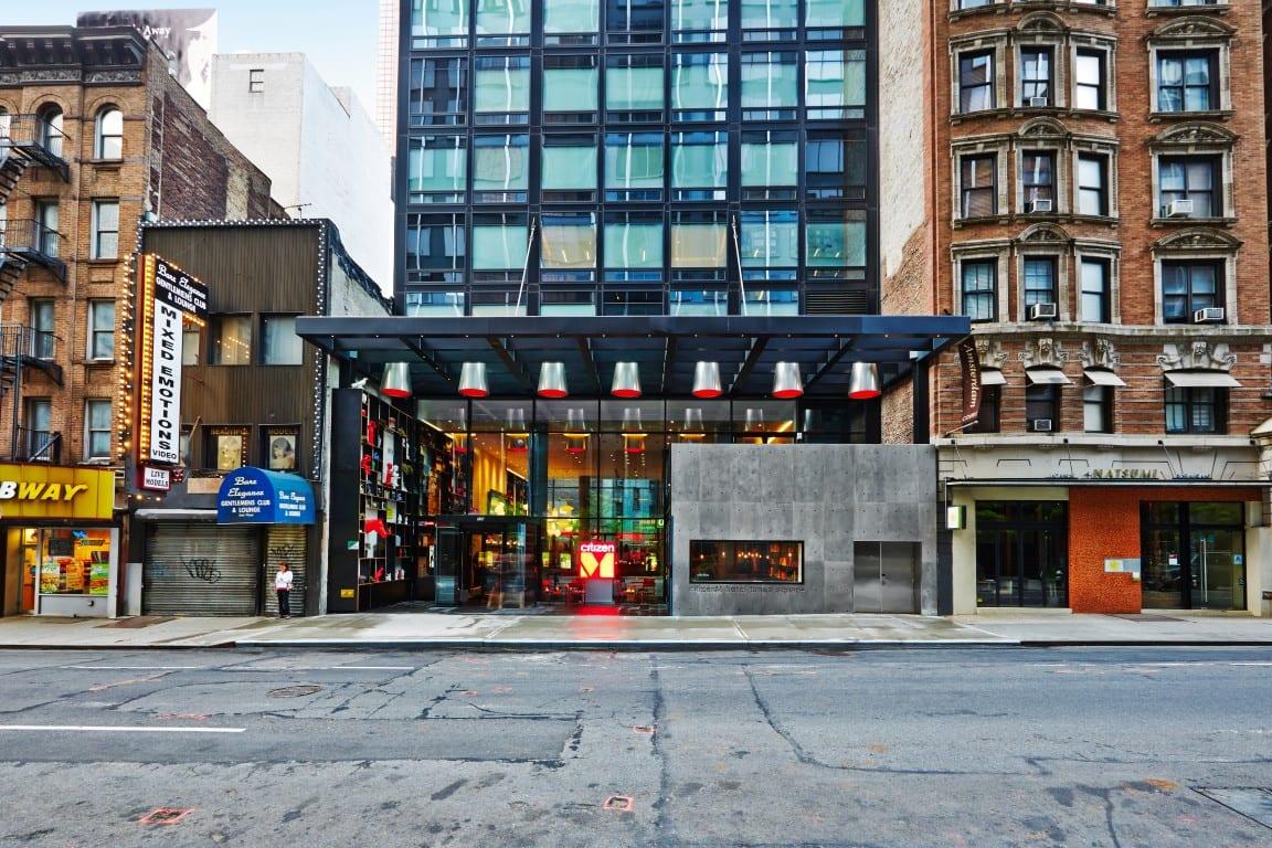 01 cM-nytsq-streetview