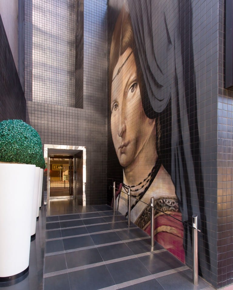 J Plus Hotel by YOO - Hotel Side Entrance (Graffiti Mural)