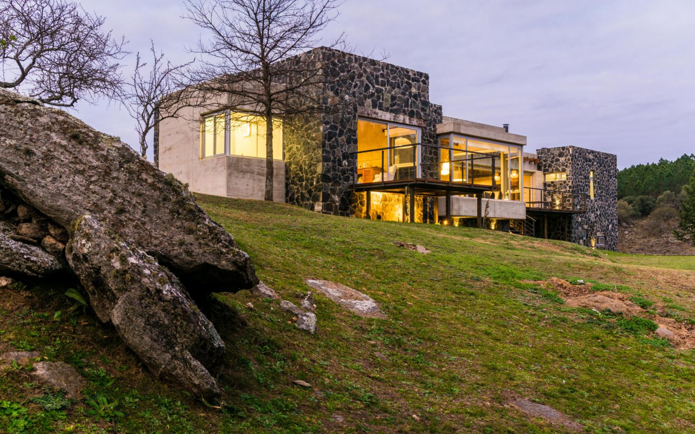hormigón y piedra