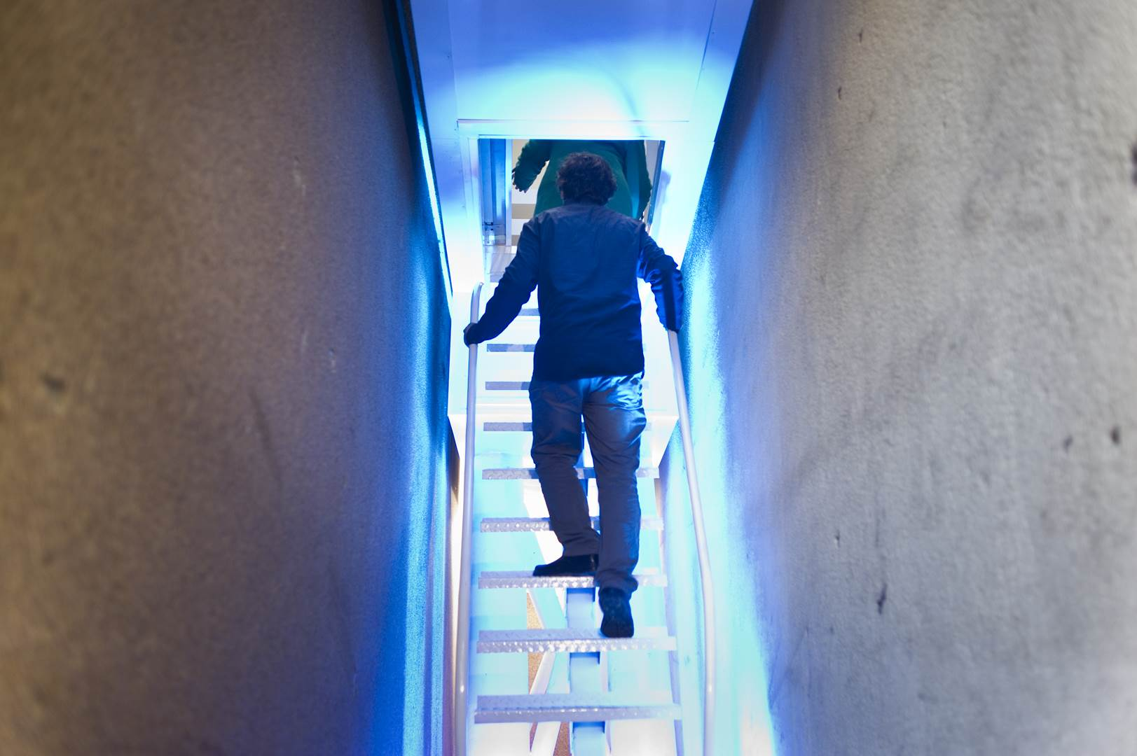 03. Etgar Keret geting into the Keret House, by Bartek Warzecha, © Polish Modern Art Foundation (Copy)
