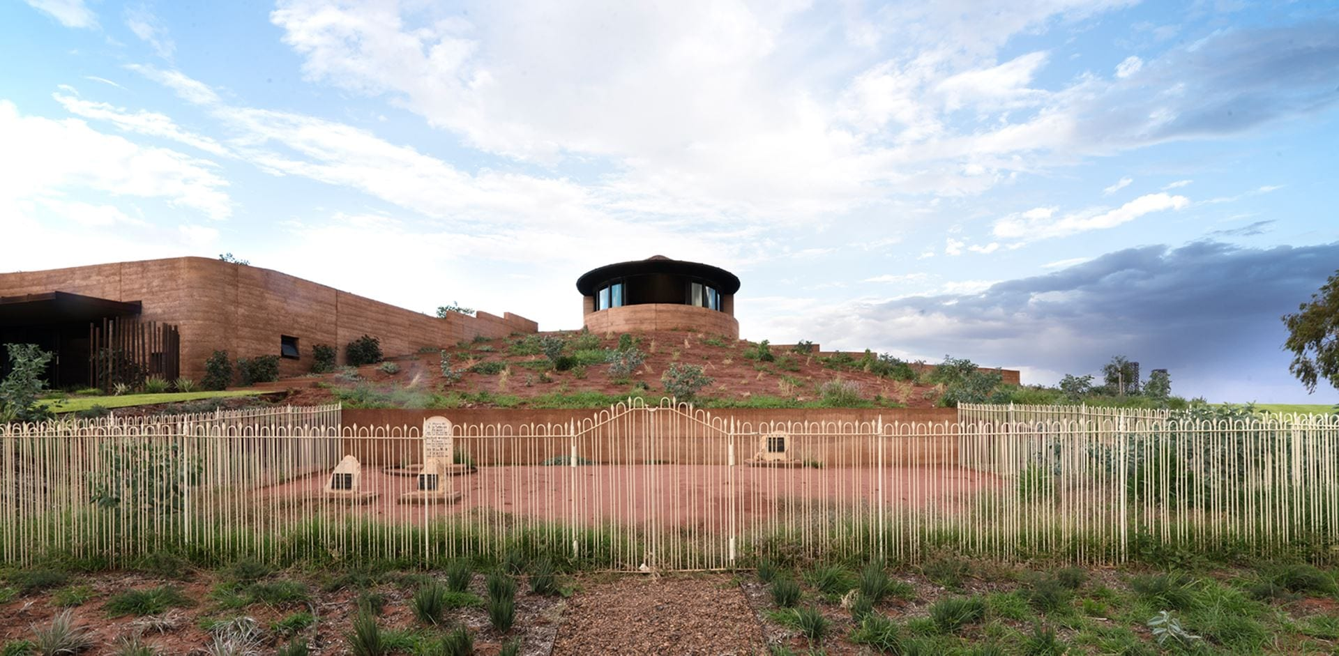 Luigi Rosselli Architects  The Remote Desert Chapel   001 (Copy)