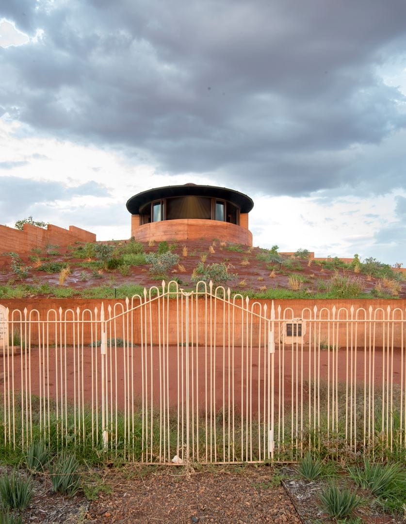 Luigi Rosselli Architects  The Remote Desert Chapel   002 (Copy)