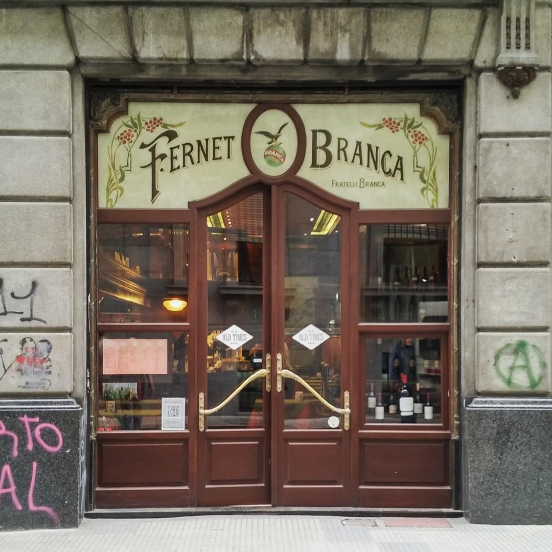 Café, bar, restaurant Old Times (Dónde almorzaba el Papa Francisco). San Nicolás, Ciudad Autónoma de Buenos Aires. @argenpuertas
