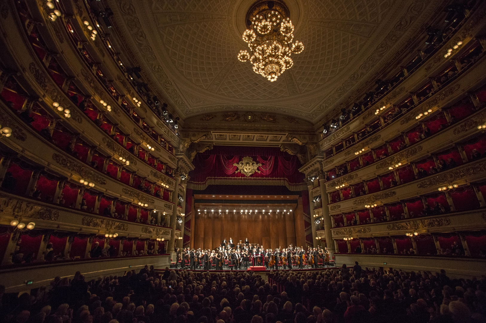 Filarmonica della Scala at Passeggiata An Airbnb Experience of Milan, www.airbnb.com, Copyright Silvia Lelli (Copy)