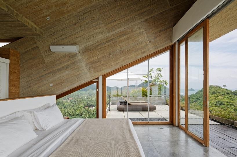 BudiPradono-Architects_ClayHouse_Publication_05_photo-by-Fernando-Gomulya (Copy)