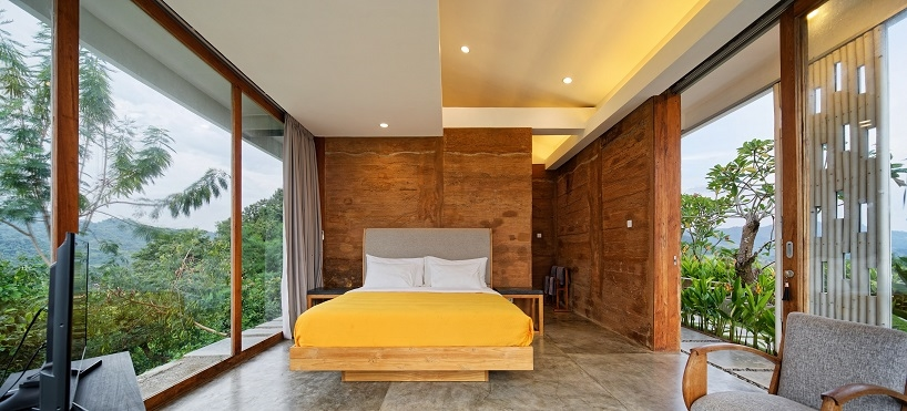 BudiPradono-Architects_ClayHouse_Publication_10_photo-by-Fernando-Gomulya (Copy)