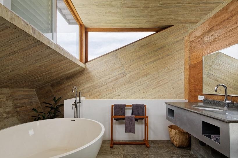 BudiPradono-Architects_ClayHouse_Publication_17_photo-by-Fernando-Gomulya (Copy)