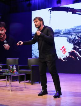 Bjarke Ingels Conferencia (Copy)