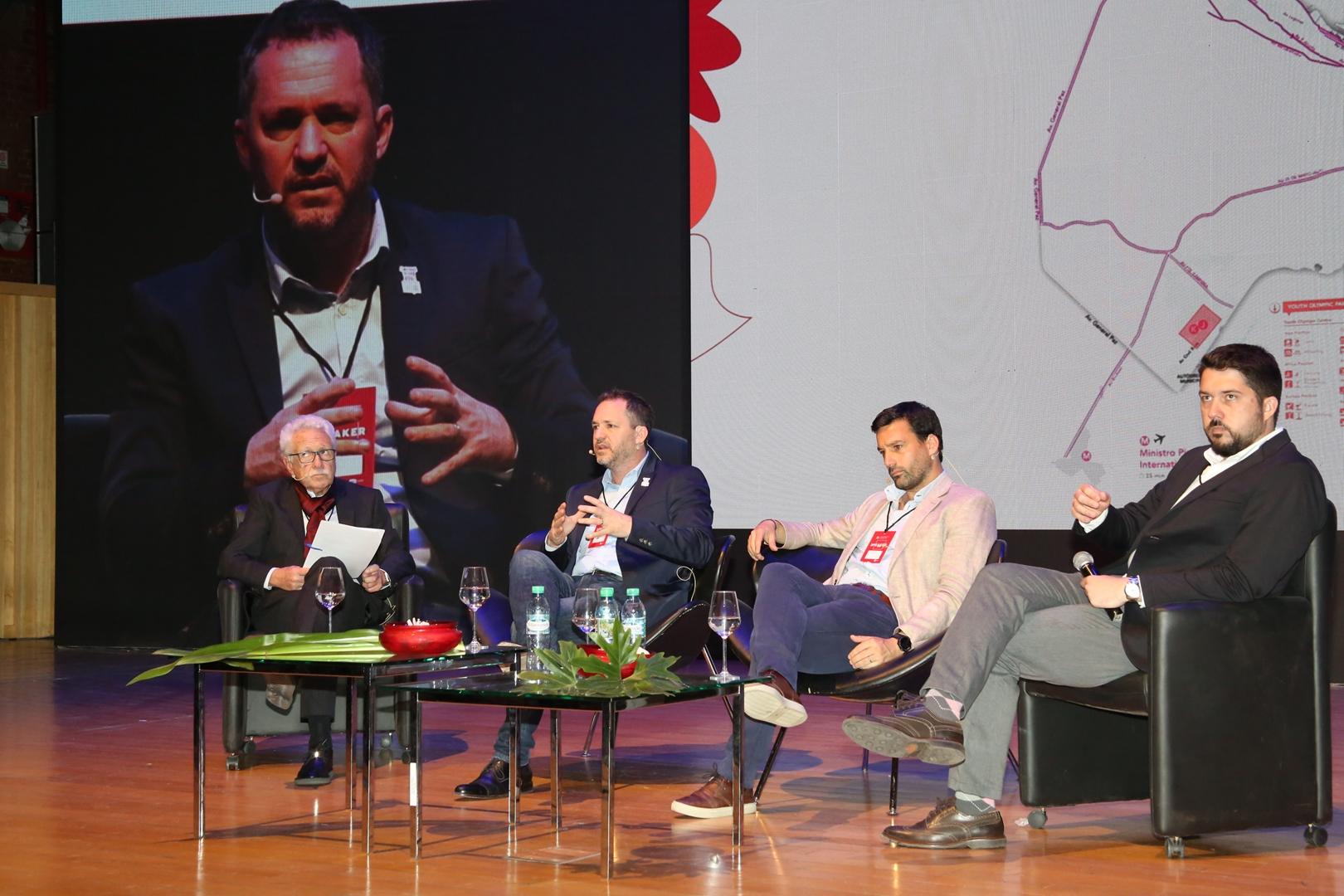 Carlos Sallaberry, Leandro Larrosa, Gustavo Nacimiento y Alvaro García Resta - Futuro e Innovación de las Ciudades (Copy)