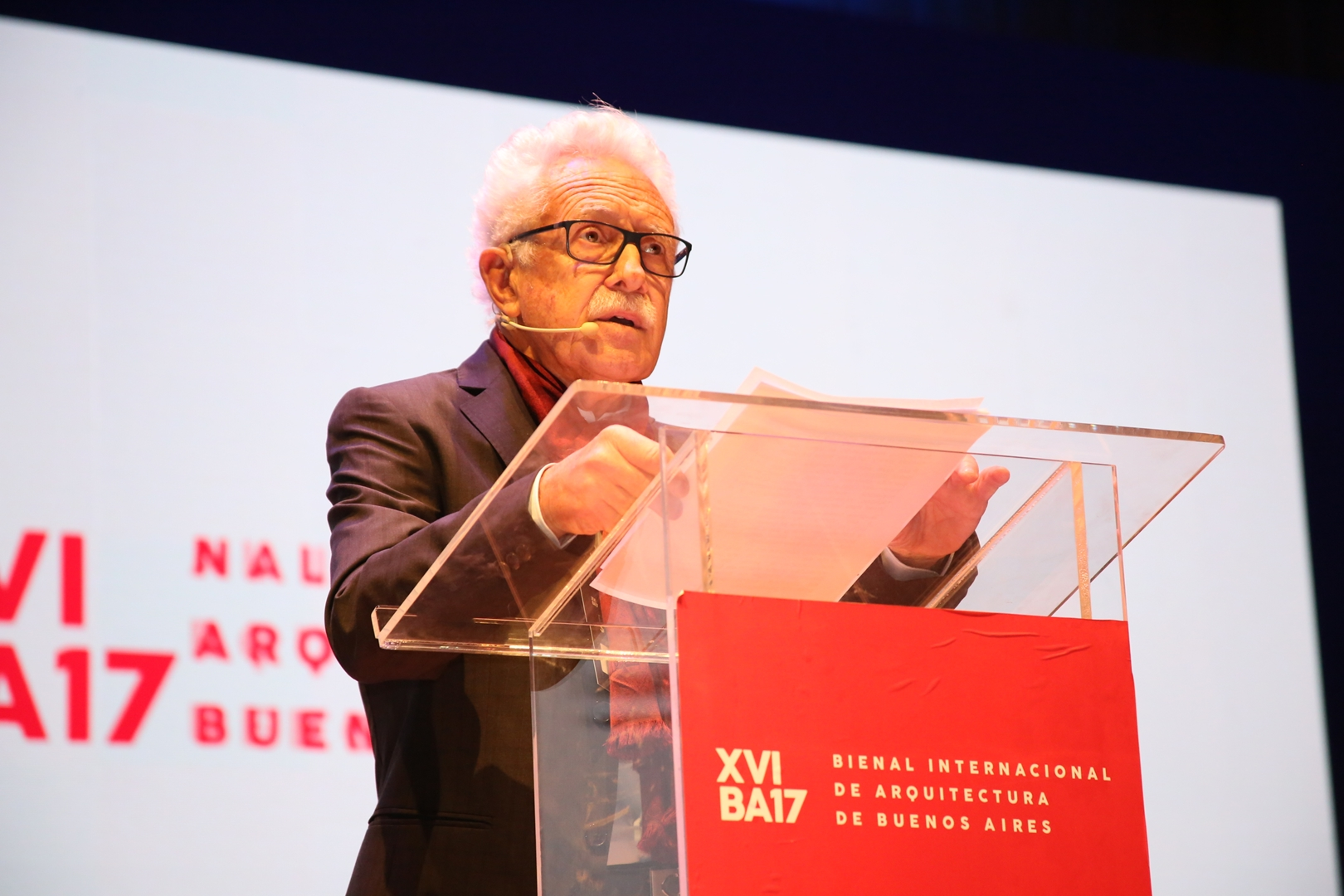 Carlos Sallaberry, director del comité de la Bienal (Copy)