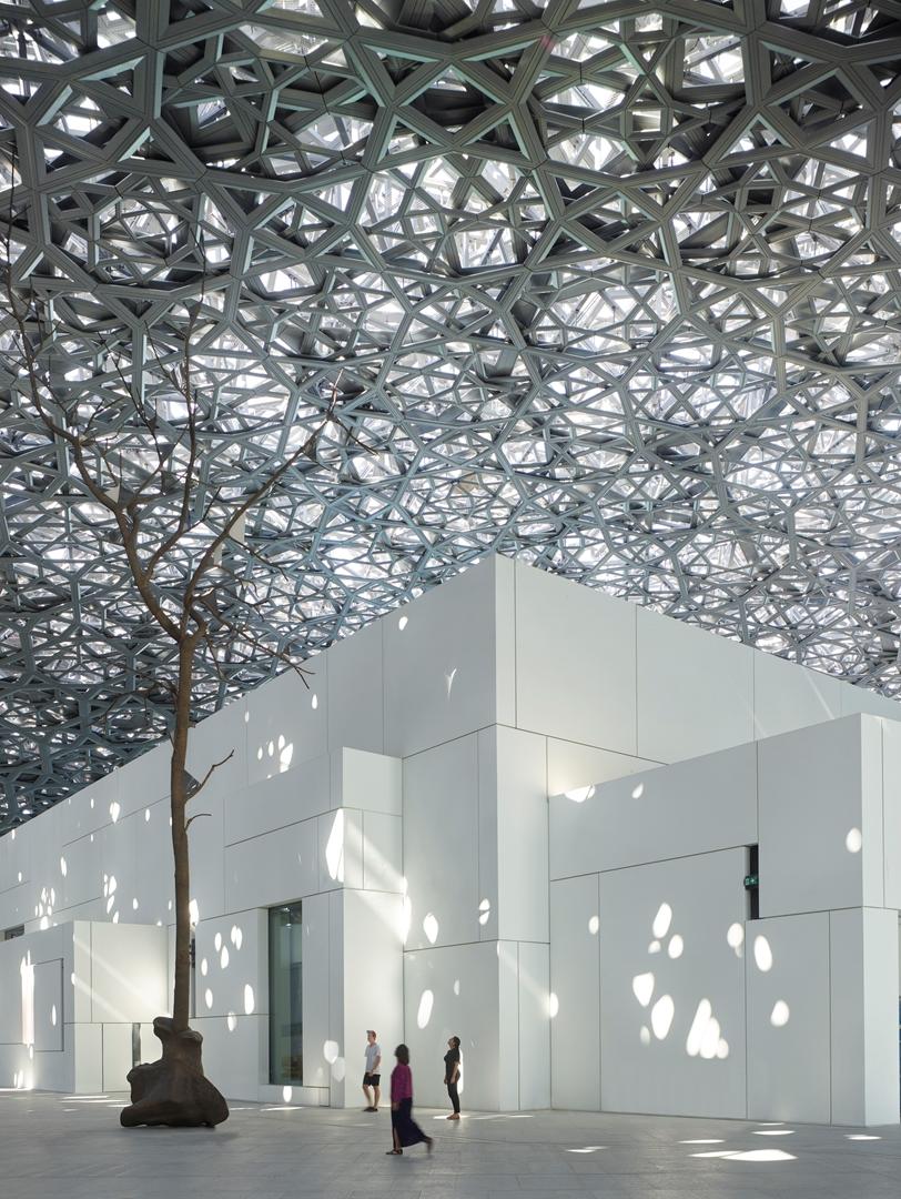 Créditos: Roland Halbe + Louvre Abu Dhabi + Architecte Jean Nouve
