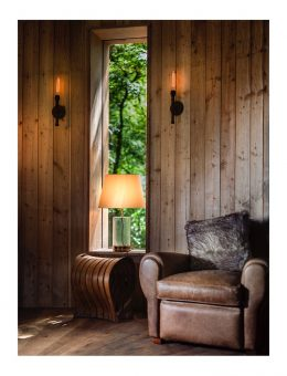 2.3craftycamping-thewoodsmanstreehouse-chair-lights (Copy)