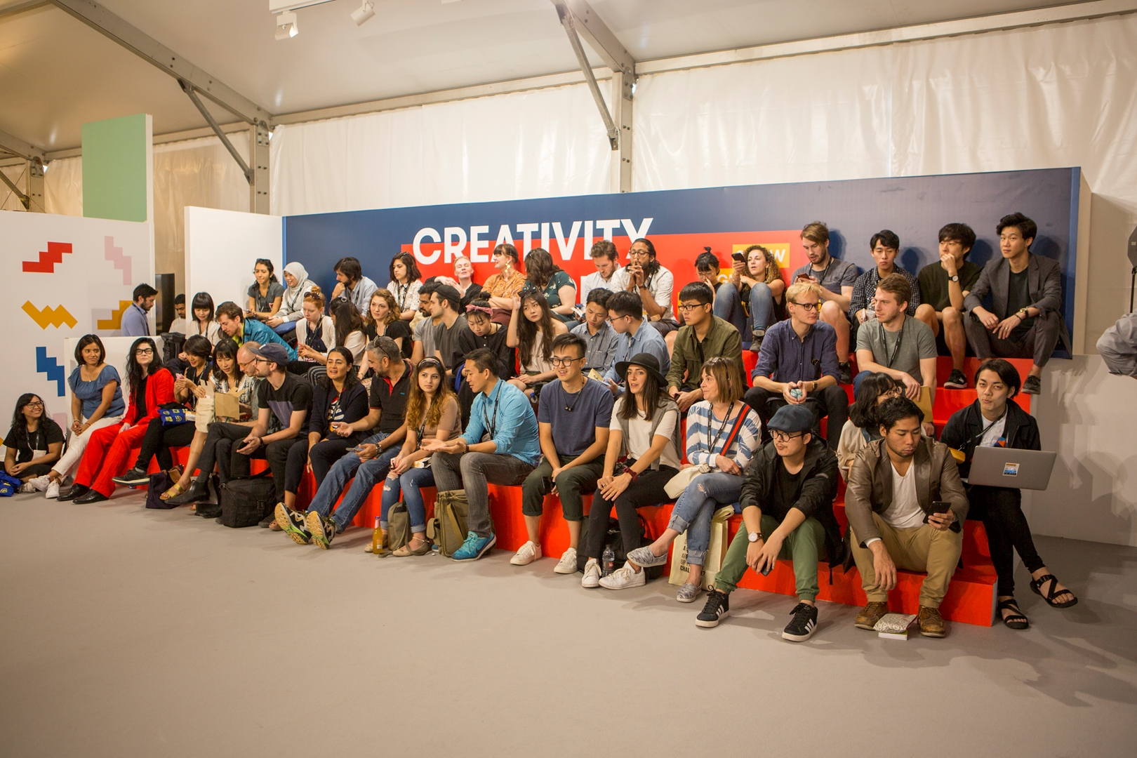 Global Grad Show_Creativity Forum_Dubai Design Week 2017 (Copy)