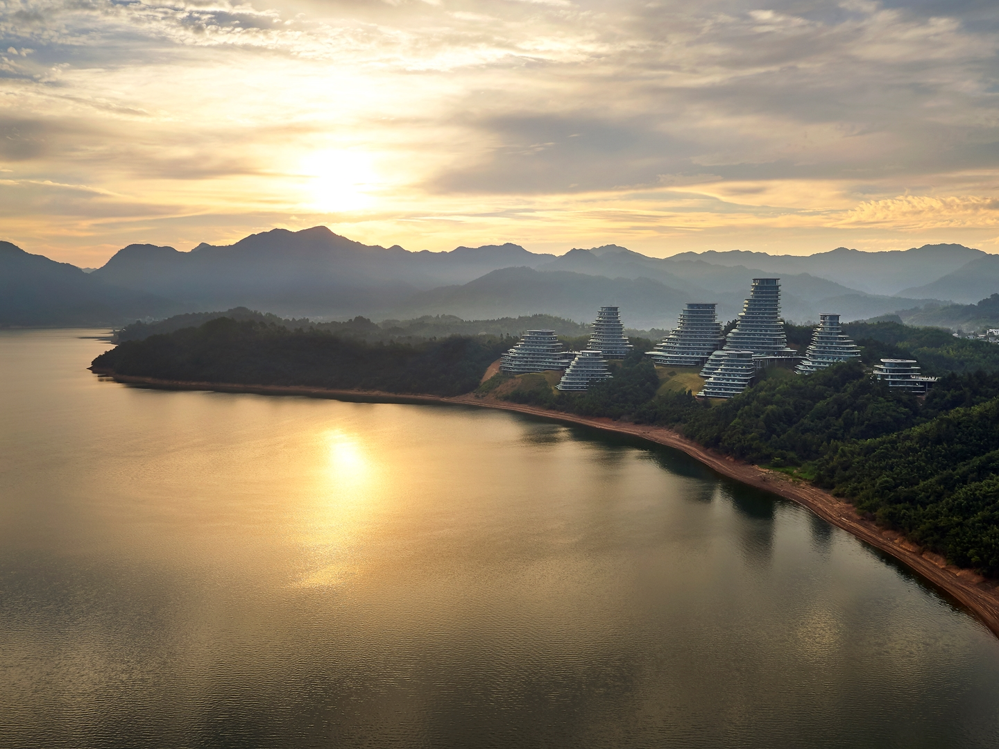 MAD_Huangshan Mountain Village_25_by Hufton+Crow (Copy)