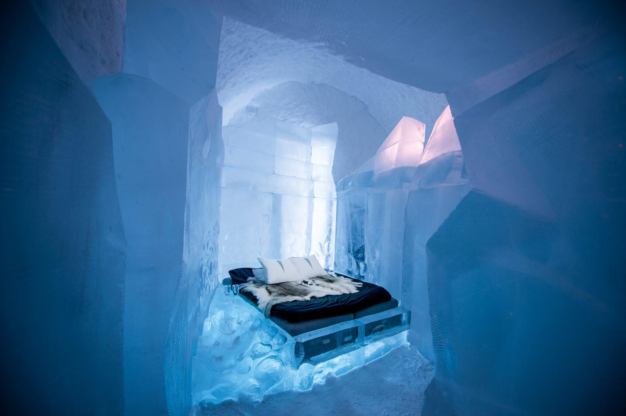 Artistas- Luca Roncorong & Dave Ruane, icehotel 365 - Photo Credits: Asaf Kliger