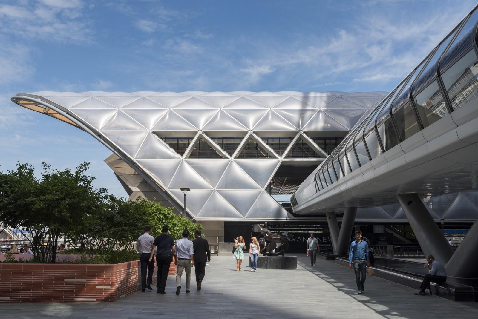 2015 - Estación de Crossrail y comercio minorista, Canary Wharf, Reino Unido