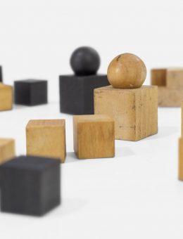 Juego de ajedrez diseñado en la Bauhaus. Josef Hartwig (diseño del juego), 1924.  Foto: A. Körner (bildhübsche Fotografie) / Gentileza ifa