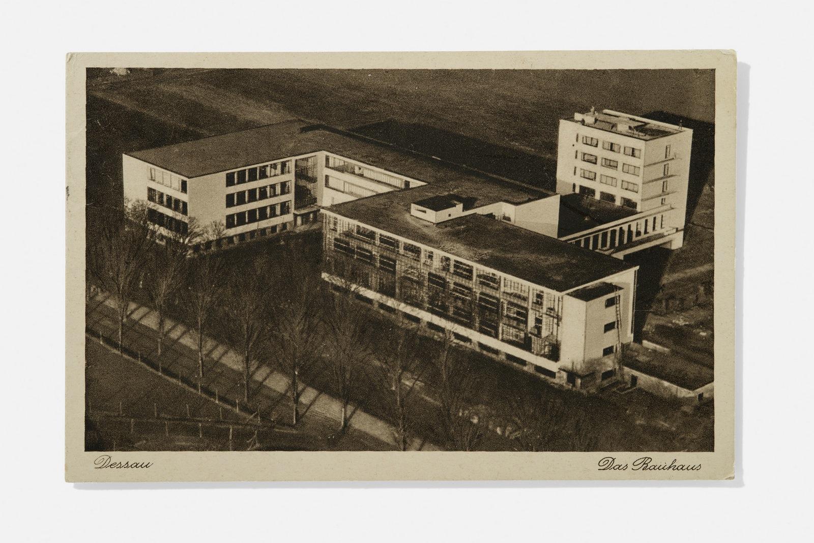 Vista aérea del edificio de la Bauhaus en Dessau, 1927.  Foto: A. Körner (bildhübsche Fotografie) / Gentileza ifa