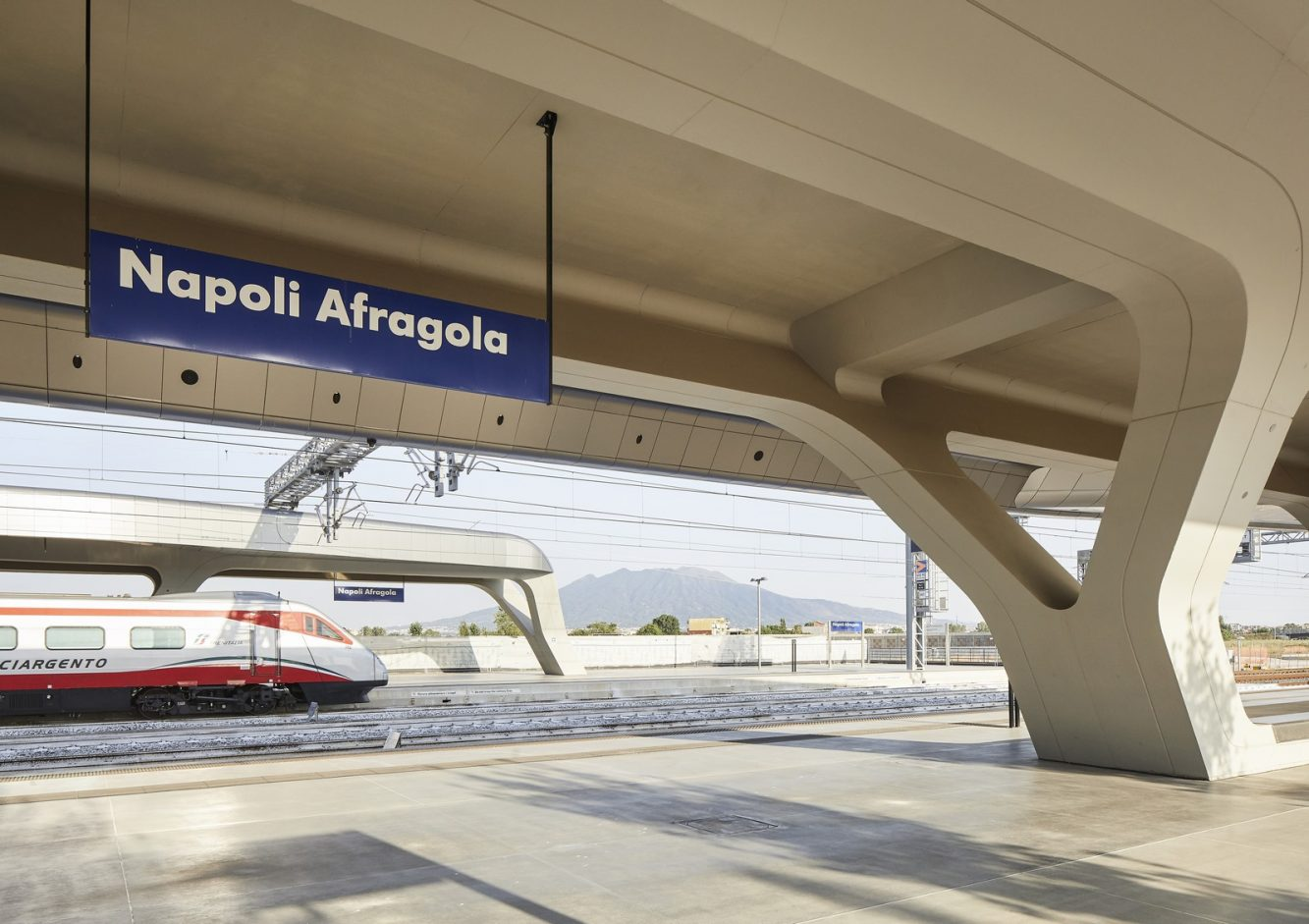 10_ZHA_Afragola Train Station_-¬Hufton+Crow (Copiar)