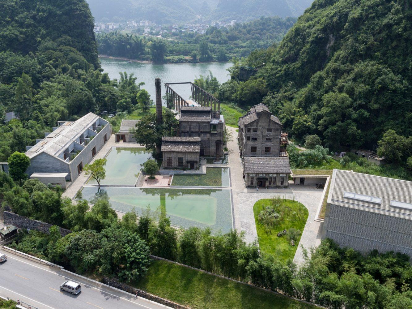 Hotel Alila en Yangshuo, China. Obra de Vector Architects.