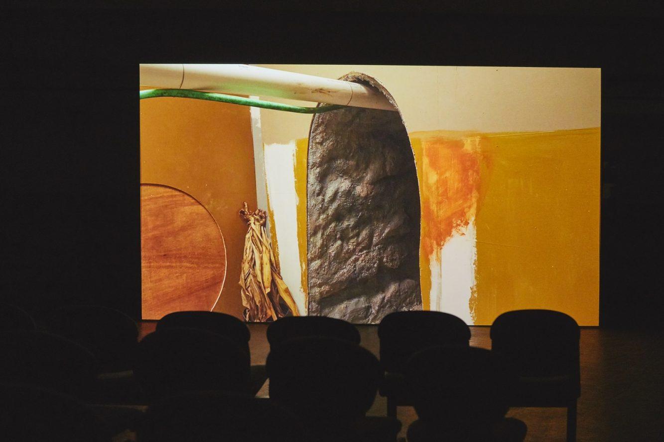 Mika Rottenberg, Cosmic Generator (variante de Buenos Aires), 2017, Cortesía de Art Basel (2) (Copiar)