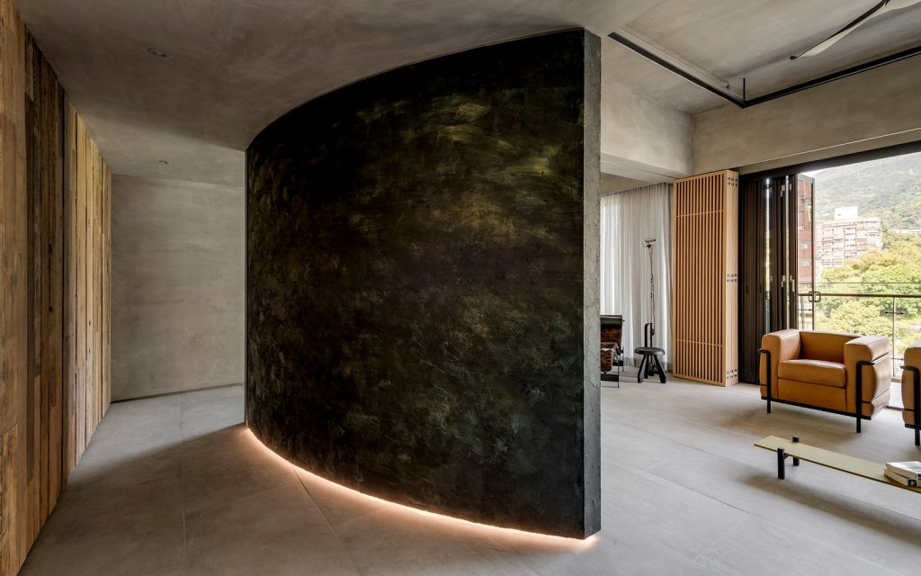 4 The hallway- The sensorial use of lighting and texture sets the mood (Copy)