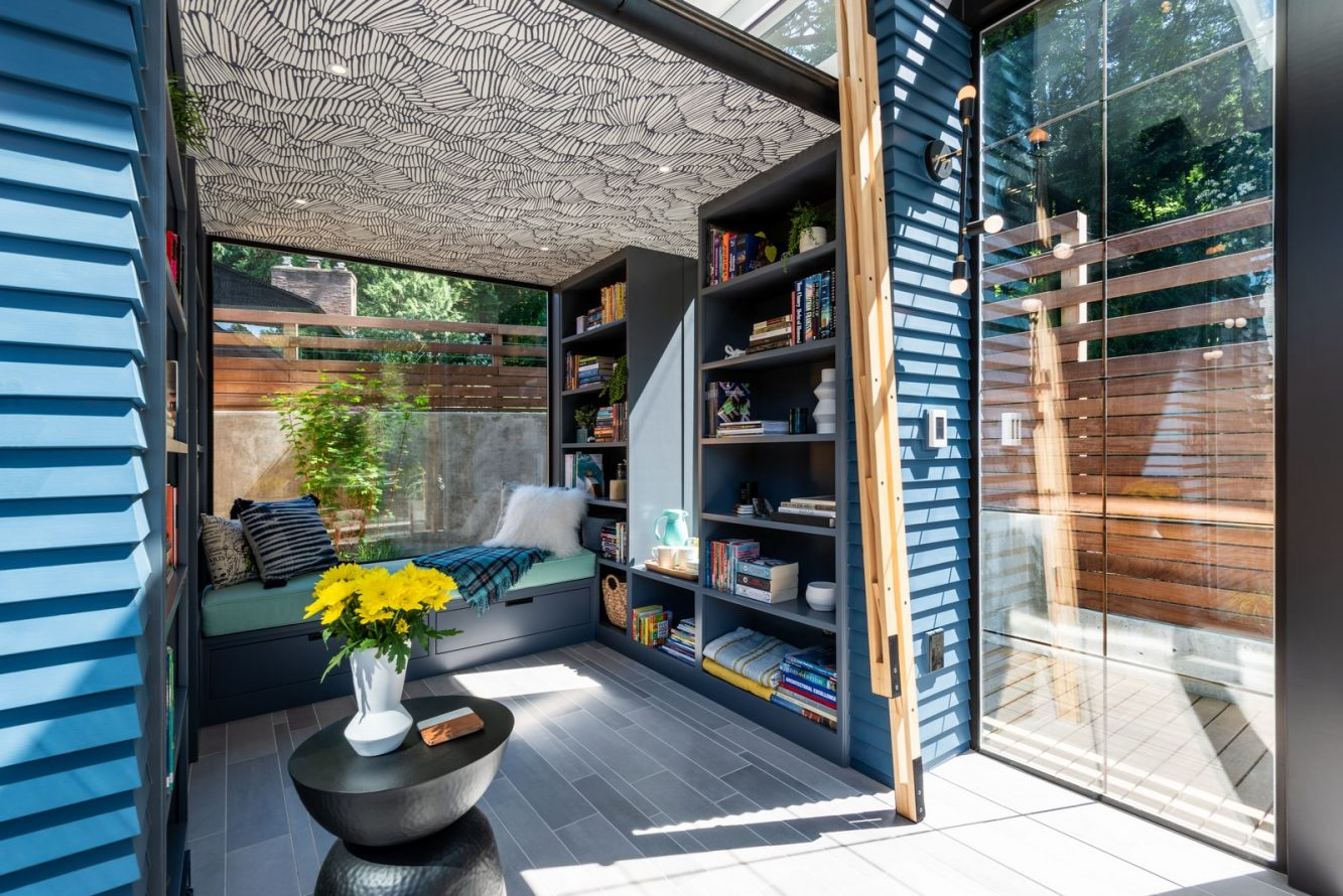 boardandvellum-backyard_reading_retreat-interior-sitting_area-ladder_folded (Copiar)