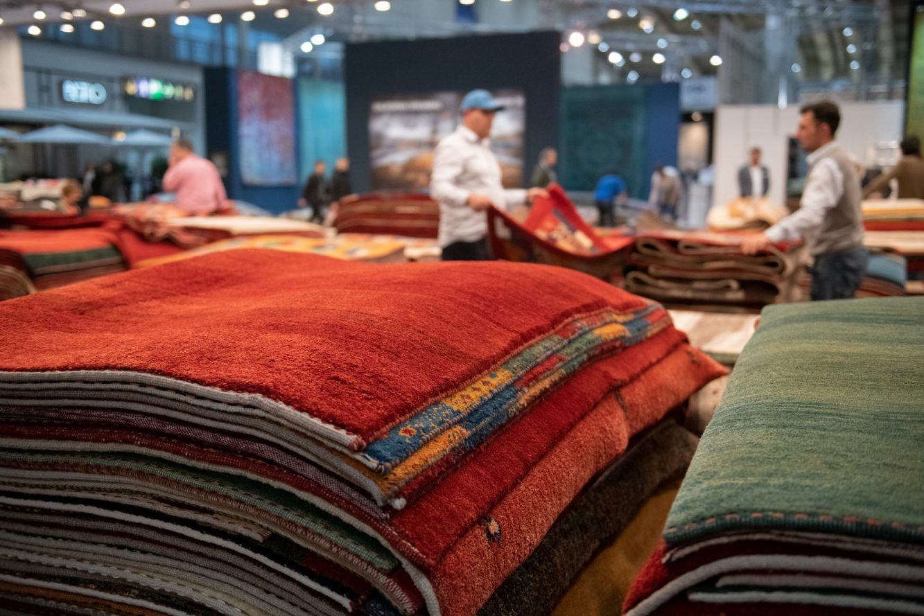 DOMOTEX - Weltleitmesse für Teppiche und Bodenbeläge. Handgefertigte Teppiche, Mohammadzadeh & Sohn, Halle 2, Stand C16