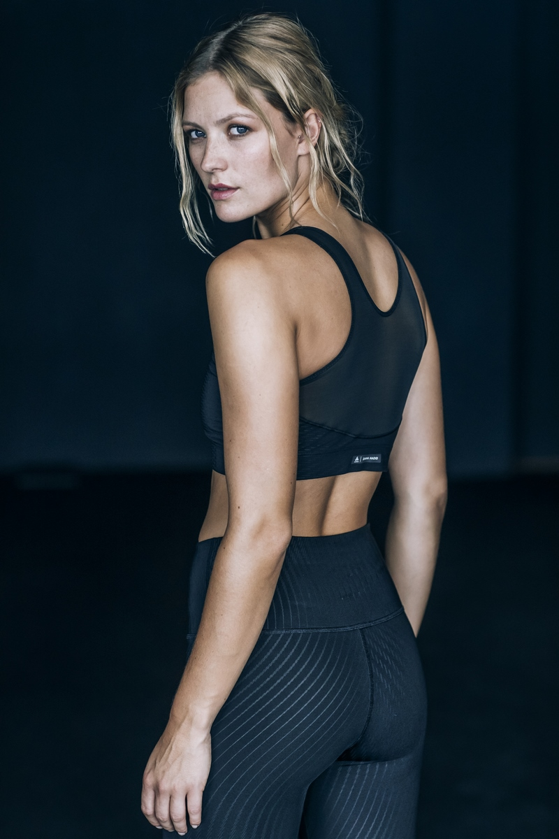2_Zaha Hadid Design_Odlo_Women's Activewear (Copiar)