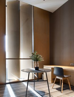 34_Office (small meeting room) © Nirut Benjabanpot, CL3 Architect Limited (Copiar)