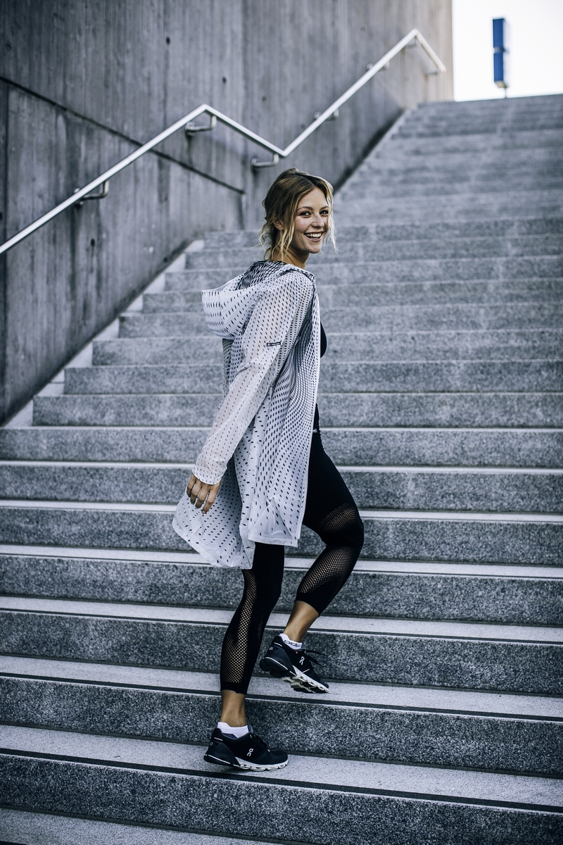 6_Zaha Hadid Design_Odlo_Women's Activewear (Copiar)