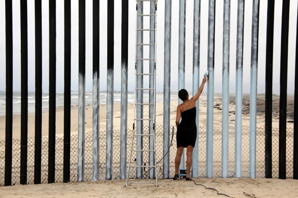 Fernandez_Ana_Erasing the Border (1)