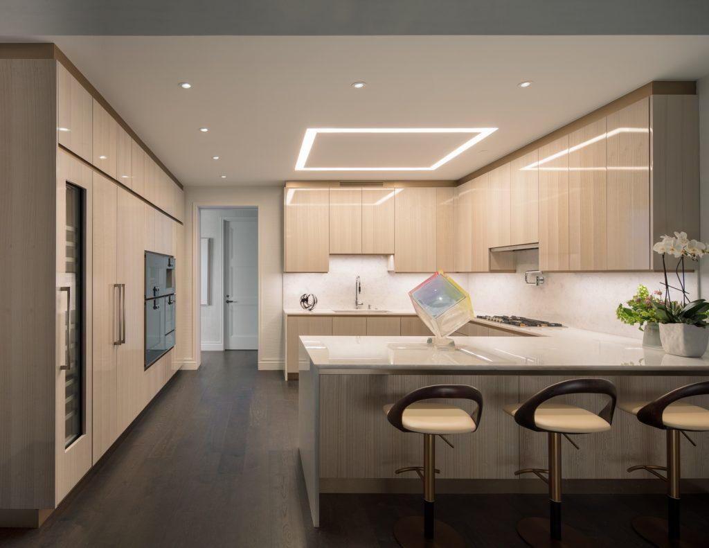 Photo - 35 Hudson Yards - 3-Bedroom Model Kitchen - courtesy of Scott Frances for Related-Oxford (Copiar)
