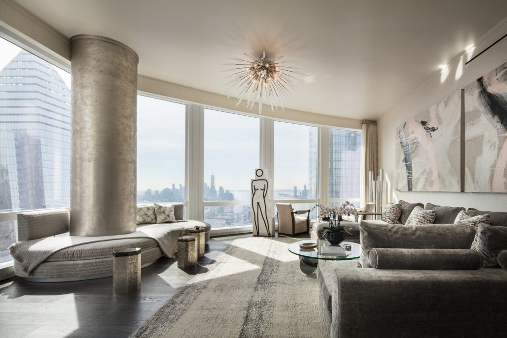 Photo - 35 Hudson Yards - 3-Bedroom Model Living Room with Hudson River Views - courtesy of Scott Frances for Related-Oxford (Copiar)