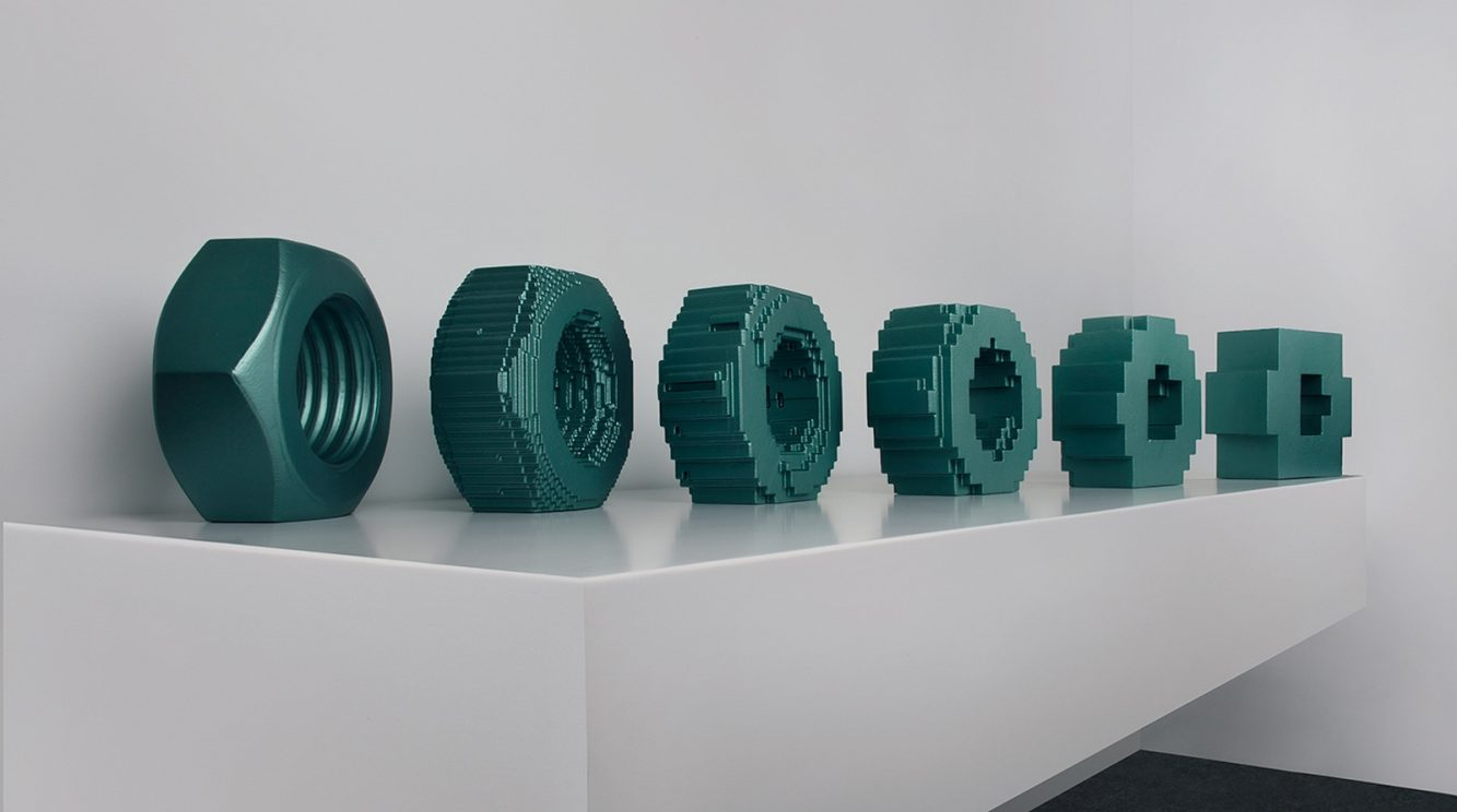 VOXEL 3 Poliuretano y resina policromados 30 x 206 x 35 cm