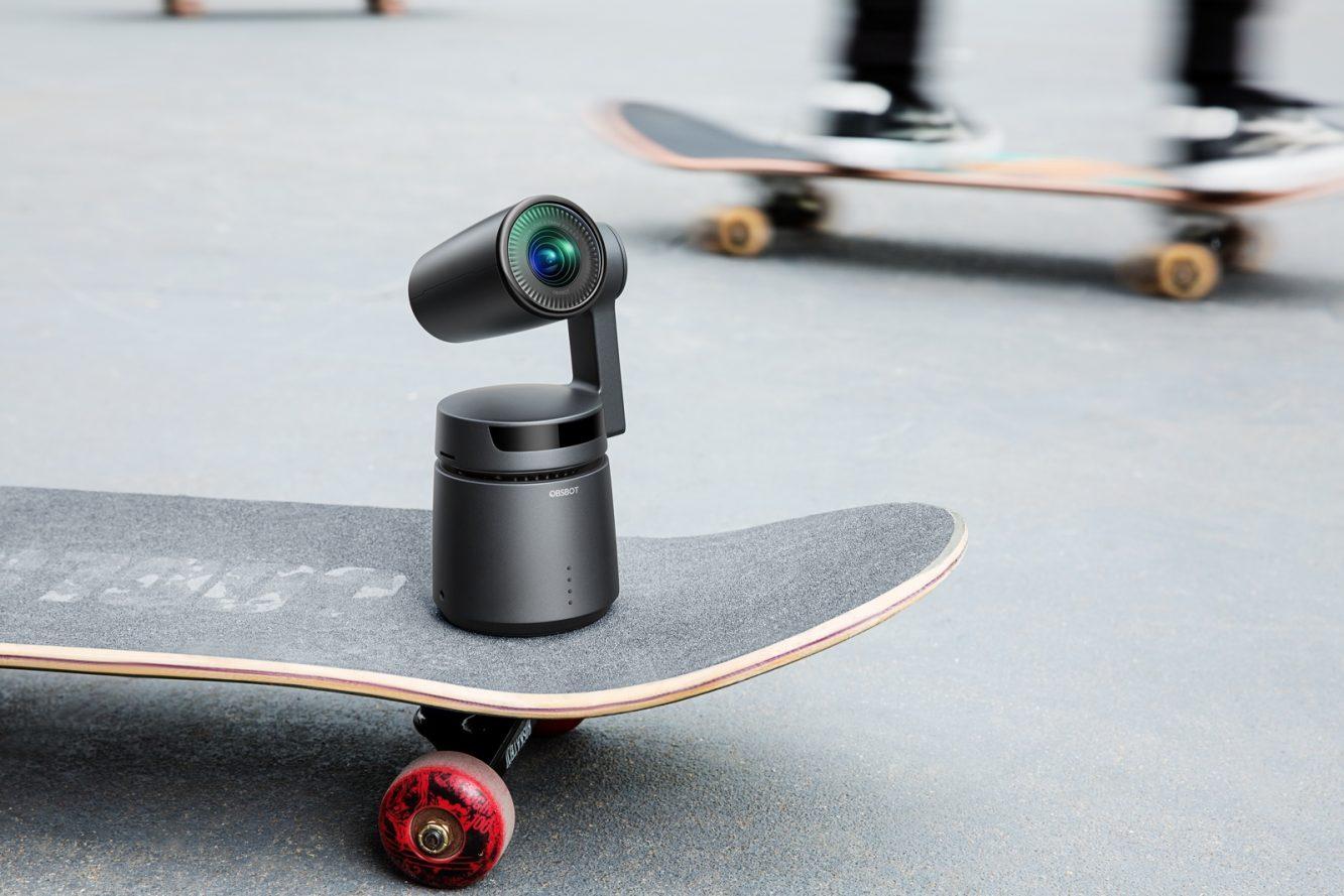 OBSBOT with skateboard (Copiar)