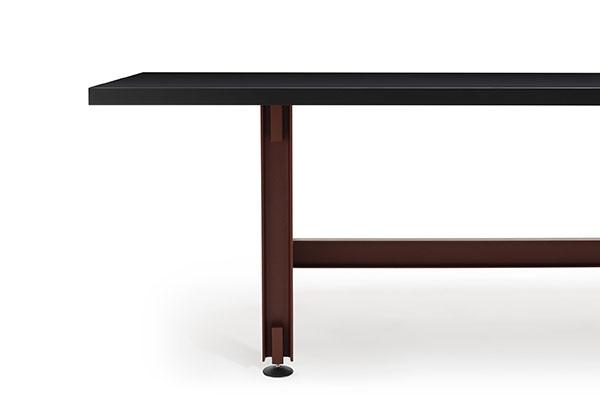 BEAM-TABLE L720-D1000 6835 Konstantin-Grcic ©2019 EstablishedandSons ©PeterGuenzel White-Background-Detail-01 72dpi